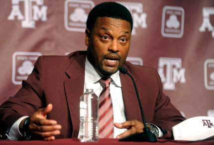 TEXAS_A_M_SUMLIN_FOOTBALL_22517907