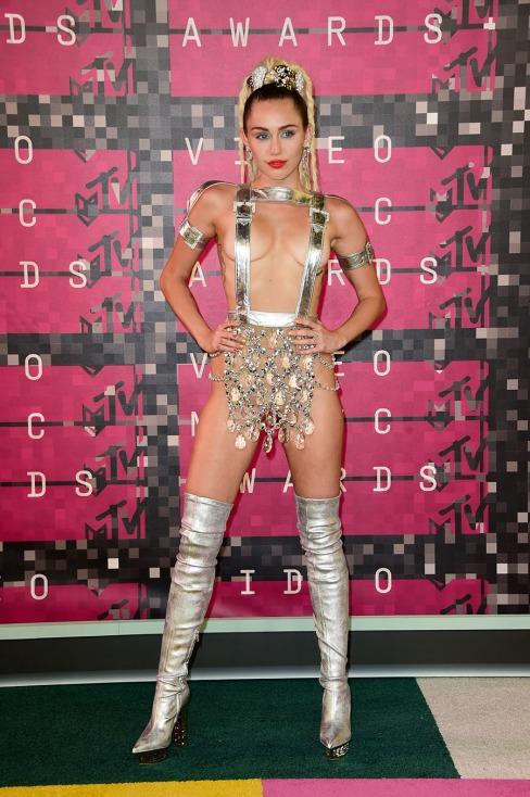 miley-cyrus-vma-outfits-001.nocrop.w840.h1330.2x