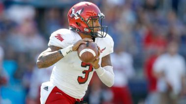 Transfer quarterback Vernon Adams is set to start week 1 for Oregon.
