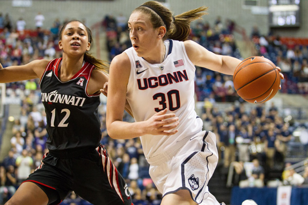 NCAA BASKETBALL: DEC 29 Women's - Cincinnati at UConn