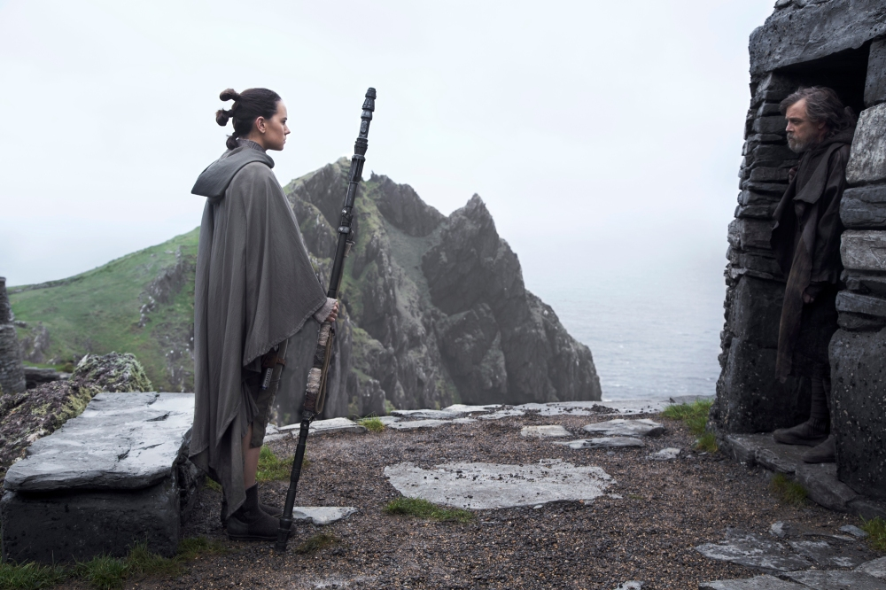 star-wars-the-last-jedi-daisy-ridley-mark-hamill.jpg